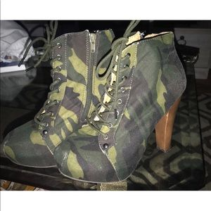 Camouflage booties